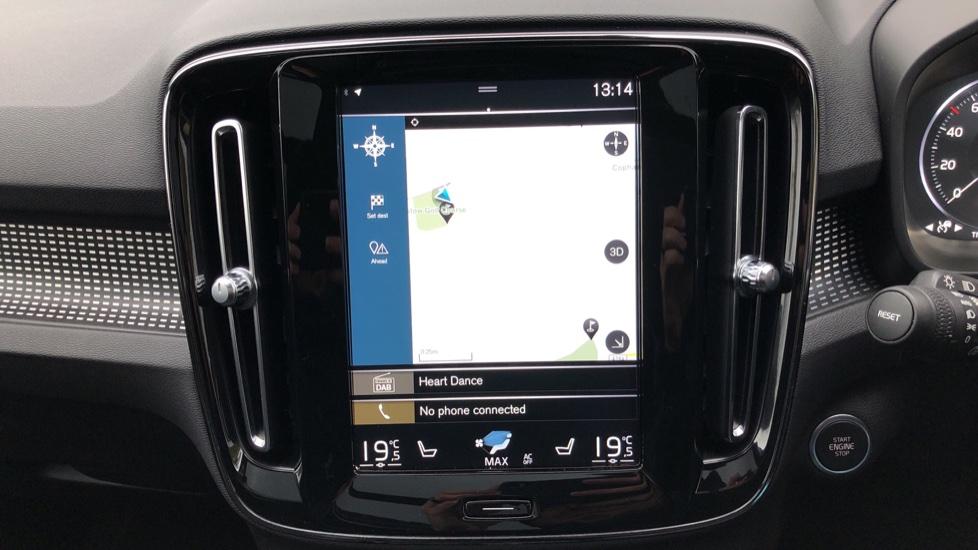 Volvo XC40 T5 First Edition AWD Auto, Launch Model, Nav, Sunroof, 360 Camera, HK Audio, Heated Seats image 5