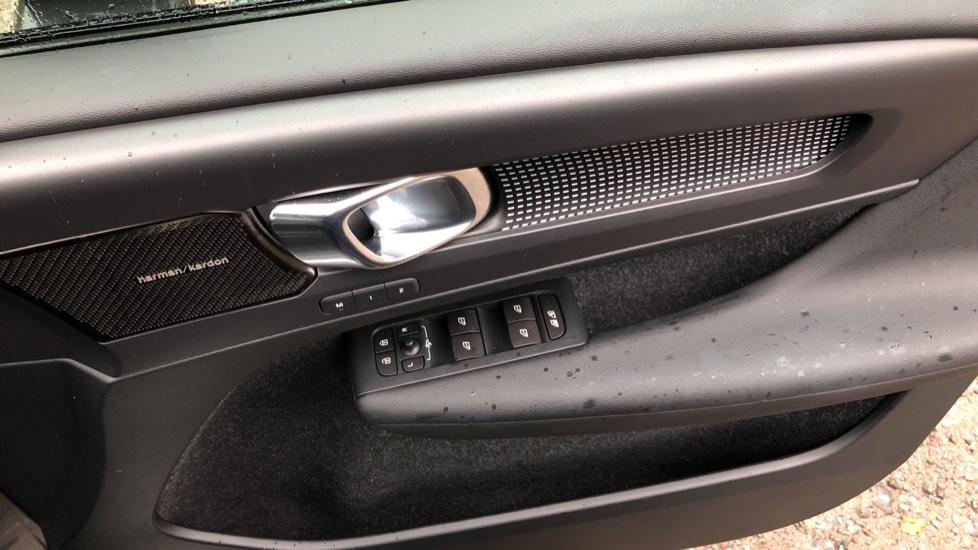 Volvo XC40 T5 First Edition AWD Auto, Launch Model, Nav, Sunroof, 360 Camera, HK Audio, Heated Seats image 40