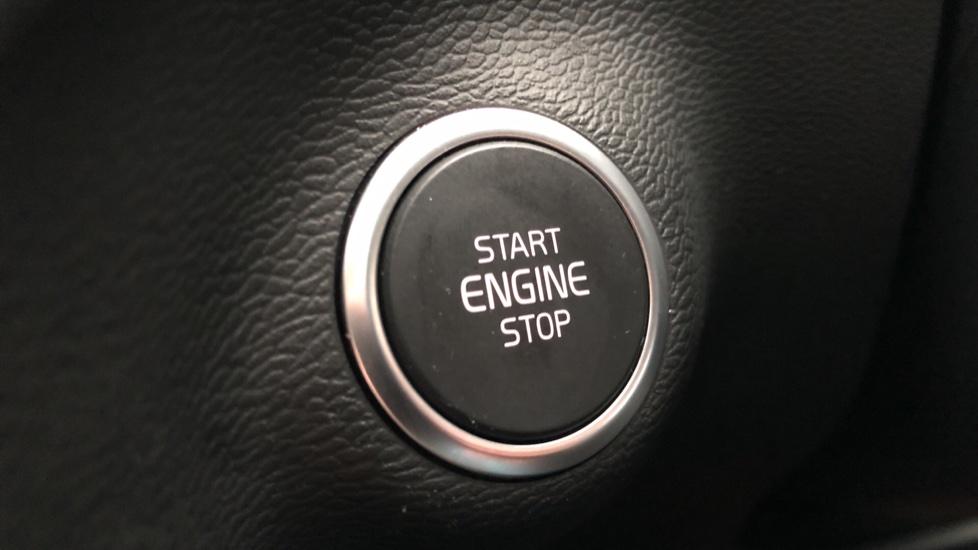 Volvo XC40 T5 First Edition AWD Auto, Launch Model, Nav, Sunroof, 360 Camera, HK Audio, Heated Seats image 29