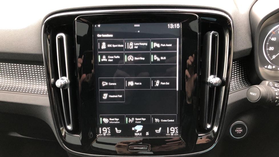 Volvo XC40 T5 First Edition AWD Auto, Launch Model, Nav, Sunroof, 360 Camera, HK Audio, Heated Seats image 32