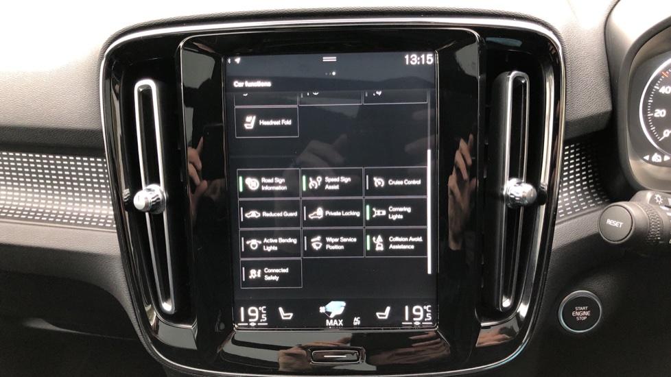 Volvo XC40 T5 First Edition AWD Auto, Launch Model, Nav, Sunroof, 360 Camera, HK Audio, Heated Seats image 33