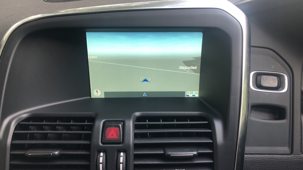 Volvo XC60 D4 R Design Nav Auto, Winter Pk, Heated Screen & Seats, Rr Sensors, Tempa Spare Wheel. image 5
