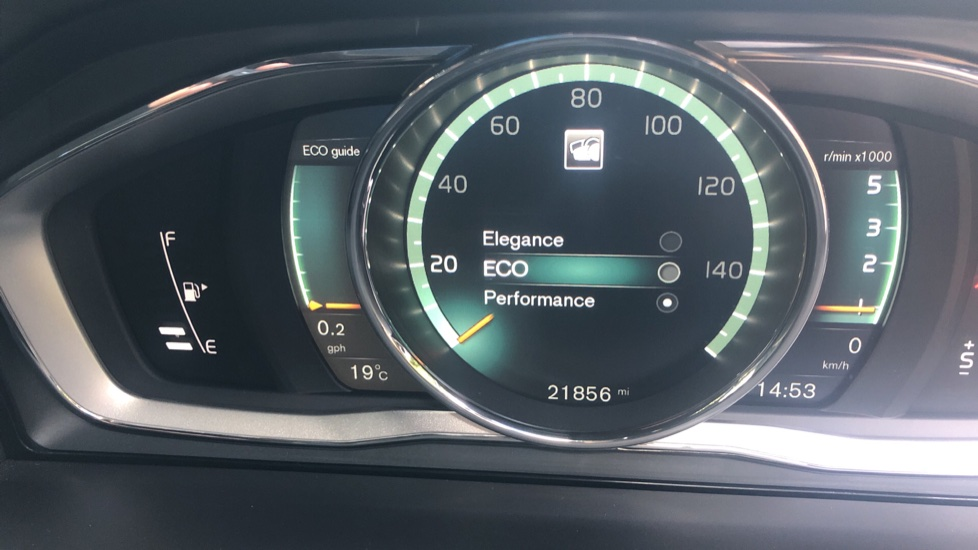 Volvo XC60 D4 R Design Nav Auto, Winter Pk, Heated Screen & Seats, Rr Sensors, Tempa Spare Wheel. image 14
