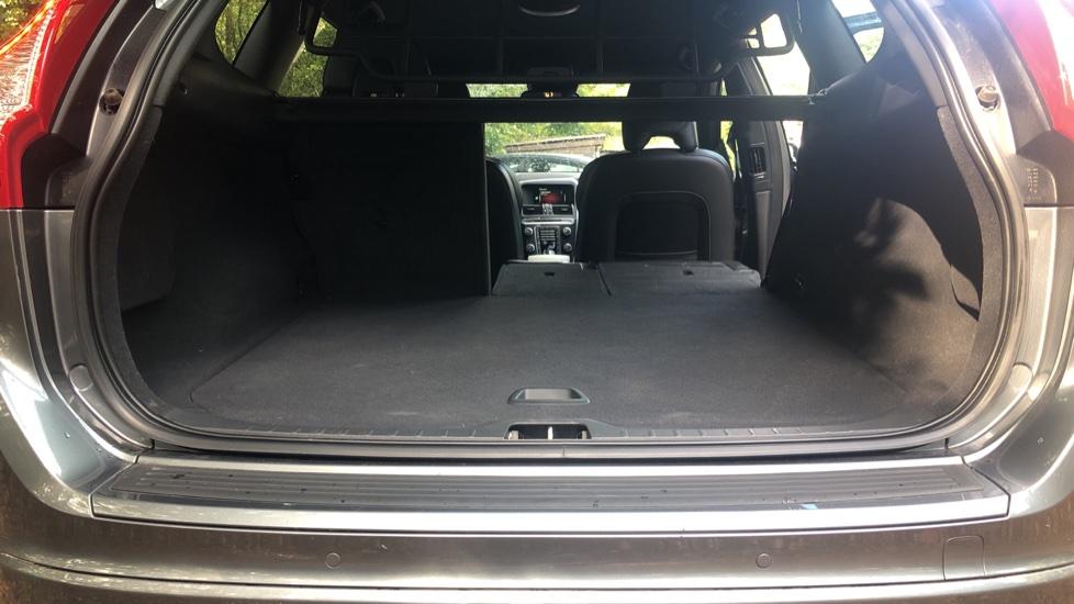 Volvo XC60 D4 R Design Nav Auto, Winter Pk, Heated Screen & Seats, Rr Sensors, Tempa Spare Wheel. image 28