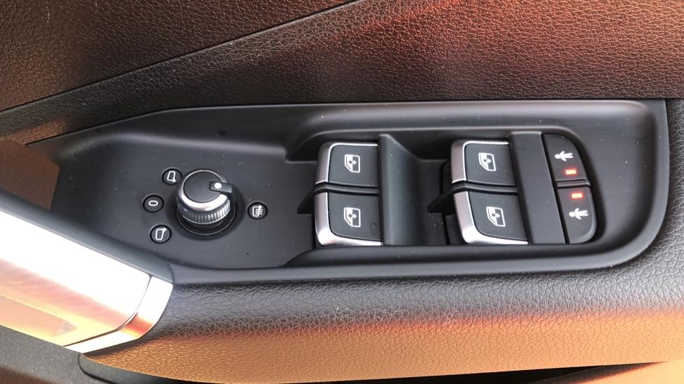 Audi Q2 1.4 TFSI S Line 5dr Manual, Nav, Heated Seats, Bluetooth, CarPlay, Front & Rear Park image 29