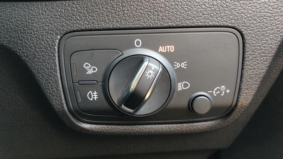 Audi Q2 1.4 TFSI S Line 5dr Manual, Nav, Heated Seats, Bluetooth, CarPlay, Front & Rear Park image 17