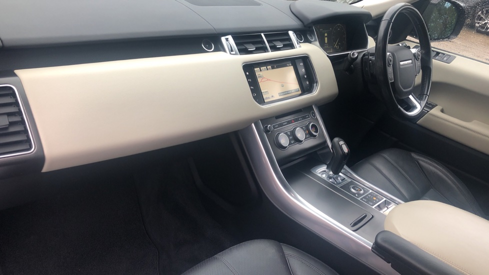 Land Rover Range Rover Sport 3.0 SDV6 HSE Dynamic Auto, Stealth Pack/Heated & Cooled F.Seats/Towbar/Auto Parking & 360 Cam image 19