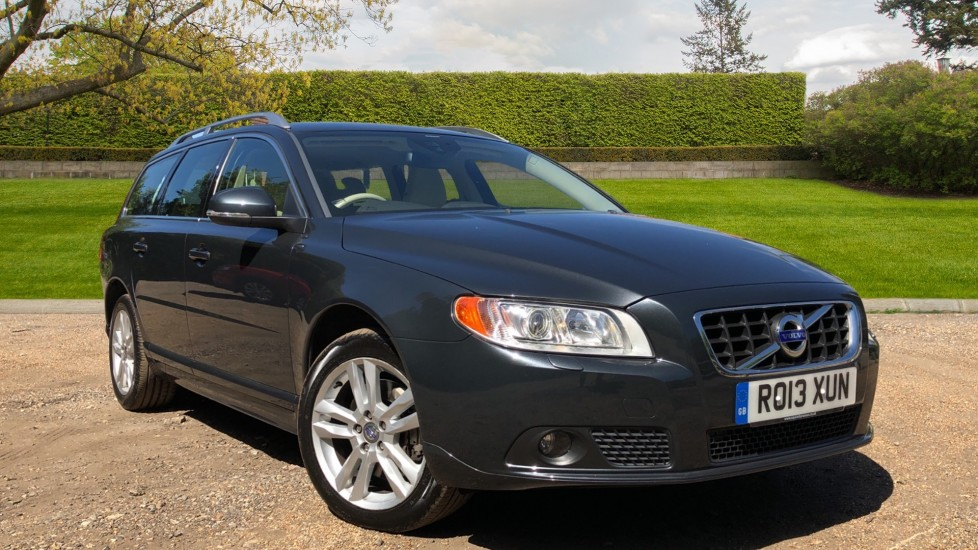 Volvo V70 D5 SE Lux Auto, Nav, Rear Park Sensors, 17 Inch Alloys, Bluetooth, USB, Memory Drivers Seat 2.4 Diesel Automatic 5 door Estate (2013)