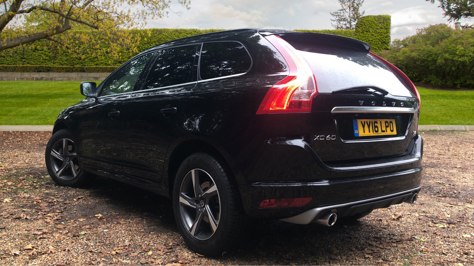 Volvo XC60 D4 R Design Nav Auto, Winter Pk, Heated Screen, Sensus Connect & Privacy Glass. image 4
