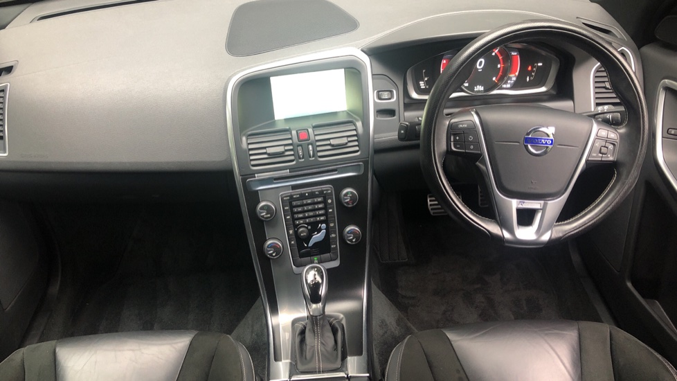 Volvo XC60 D4 R Design Nav Auto, Winter Pk, Heated Screen, Sensus Connect & Privacy Glass. image 13
