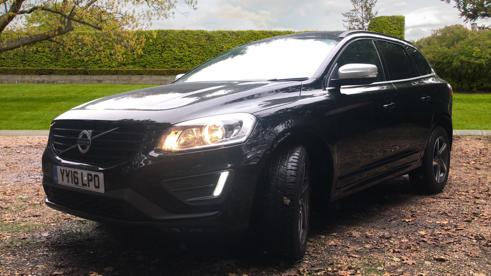 Volvo XC60 D4 R Design Nav Auto, Winter Pk, Heated Screen, Sensus Connect & Privacy Glass. image 3