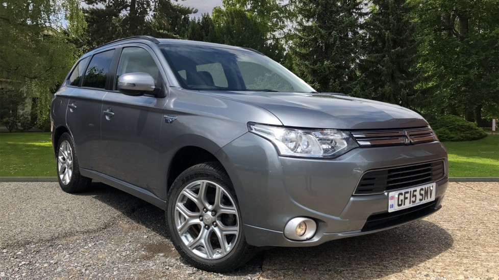 Mitsubishi Outlander 2.0 PHEV GX3h 5dr Auto, Plug In Hybrid SUV, Rear Park Sensors, Privacy Glass, Keyless Entry & Drive Petrol/Electric Automatic 4x4 (2015) image
