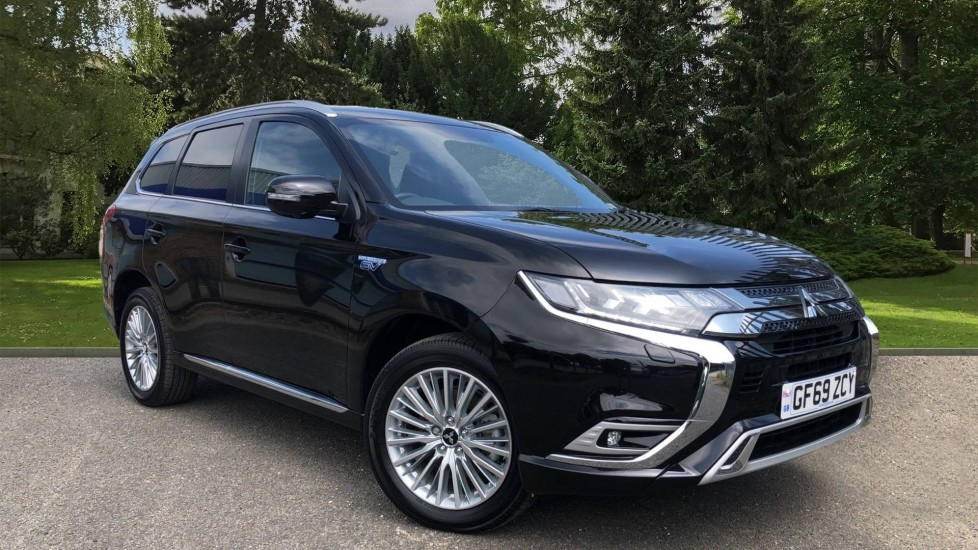 Mitsubishi Outlander 2.4 PHEV 4h Plug in Hybrid Auto, Keyless Drive, Heated Screen, DAB, 360 Camera Petrol/Electric Automatic 5 door MPV (2019) image