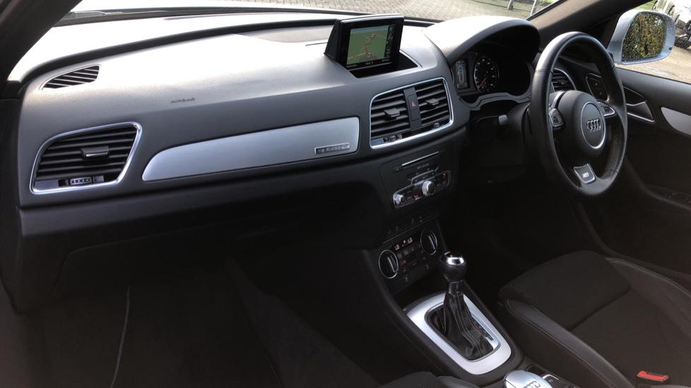 Audi Q3 2.0T FSI Quattro S Line Navigation Auto, Rear Sensors, Audi Parking Plus System, DAB Radio image 9