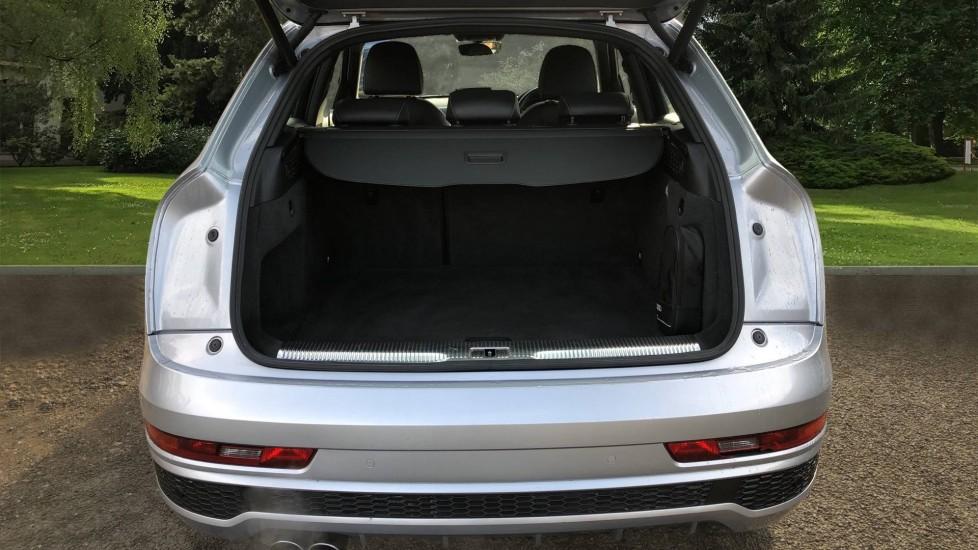 Audi Q3 2.0T FSI Quattro S Line Navigation Auto, Rear Sensors, Audi Parking Plus System, DAB Radio image 27