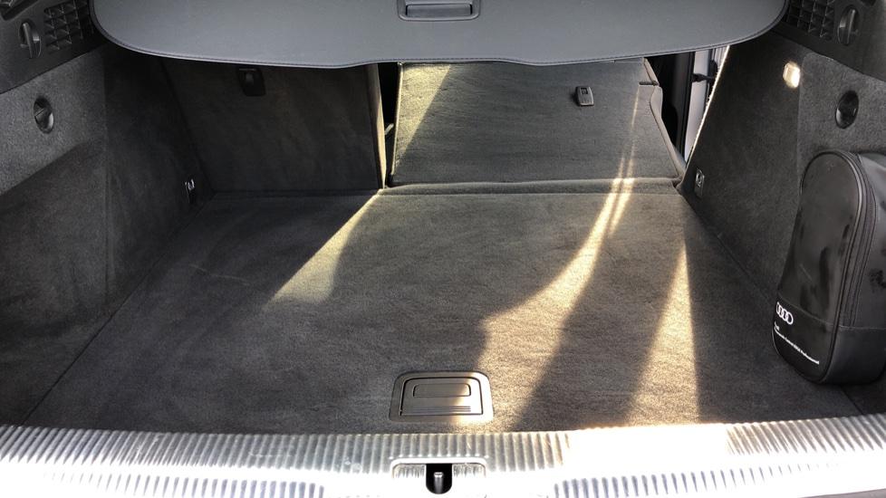Audi Q3 2.0T FSI Quattro S Line Navigation Auto, Rear Sensors, Audi Parking Plus System, DAB Radio image 28