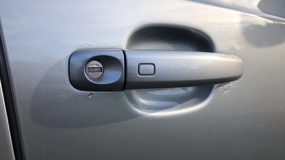 Audi Q3 2.0T FSI Quattro S Line Navigation Auto, Rear Sensors, Audi Parking Plus System, DAB Radio image 7