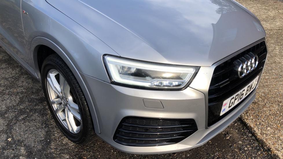 Audi Q3 2.0T FSI Quattro S Line Navigation Auto, Rear Sensors, Audi Parking Plus System, DAB Radio image 17