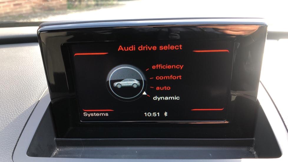 Audi Q3 2.0T FSI Quattro S Line Navigation Auto, Rear Sensors, Audi Parking Plus System, DAB Radio image 25