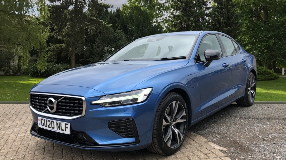 Volvo S60 T8 Hybrid R Design Plus AWD Auto, Nav, Winter Pack, Active Bending Headlights, Keyless Drive image 3 thumbnail