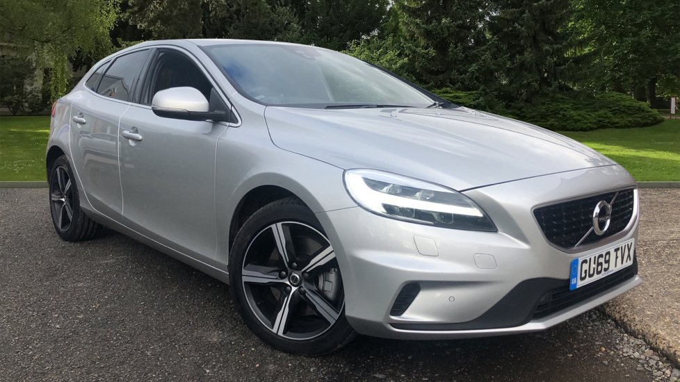 Volvo V40 D2 R Design Pro Edition Auto, Nav, Winter Pk, Bending Headlights, F & R Sensors, DAB Radio 2.0 Diesel Automatic 5 door Hatchback (2019) image