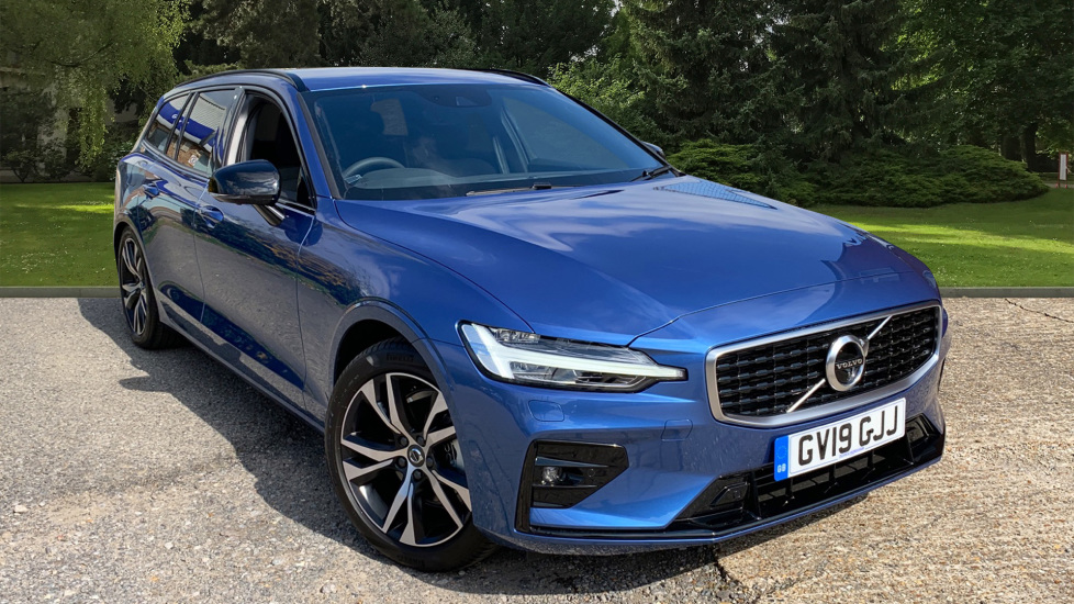 Volvo V60 2.0 D4 R Design Auto W. Winter Pack, Convenience Pack & Smartphone Integration Diesel Automatic 5 door Estate (2019) image