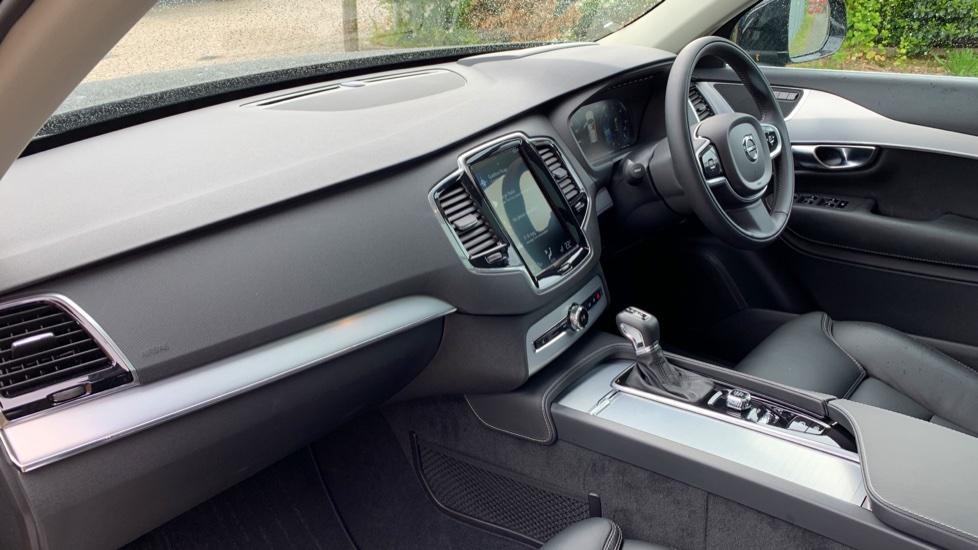 Volvo XC90 2.0 D5 PowerPulse Momentum Pro AWD Auto W. Xenium Pack, Front & Rear Park Assist image 3