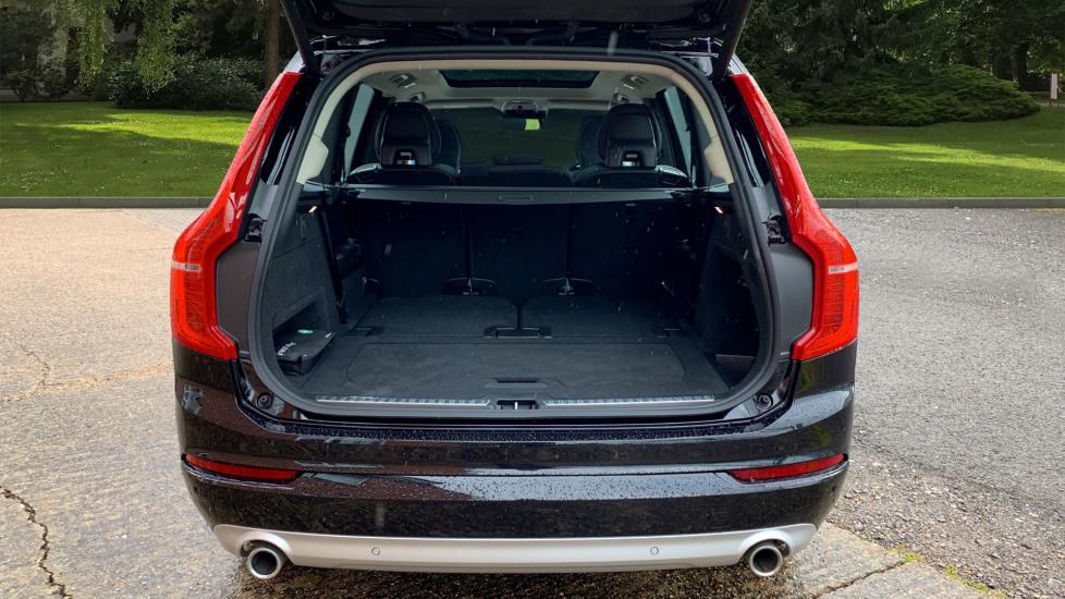 Volvo XC90 2.0 D5 PowerPulse Momentum Pro AWD Auto W. Xenium Pack, Front & Rear Park Assist image 8