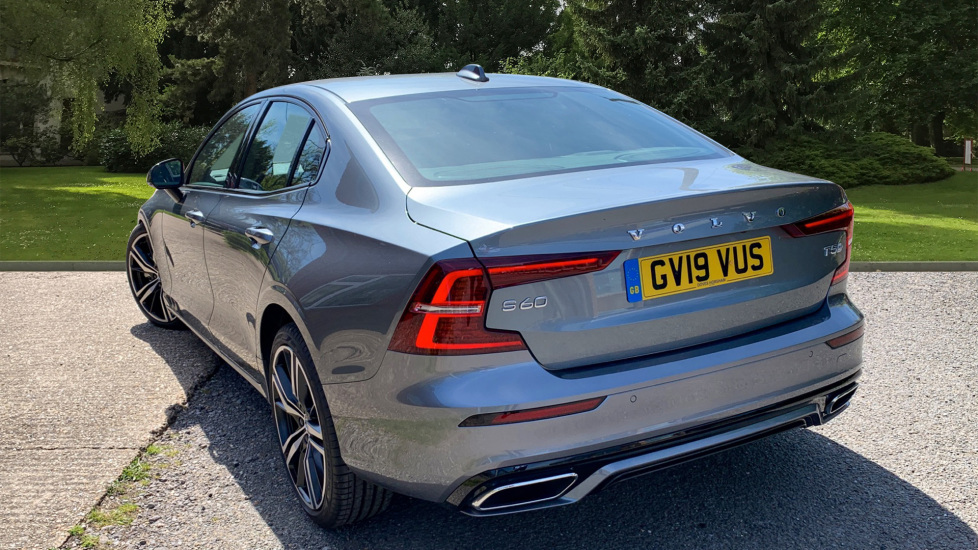Volvo S60 2.0 T5 R Design Edition Auto With. Launch Pack, Rear Camera & Smartphone  image 2