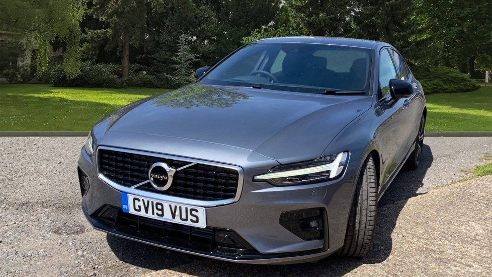 Volvo S60 2.0 T5 R Design Edition Auto With. Launch Pack, Rear Camera & Smartphone  image 9