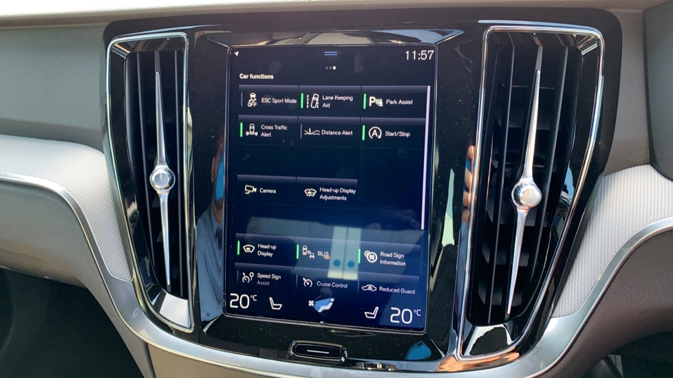 Volvo S60 2.0 T5 R Design Edition Auto With. Launch Pack, Rear Camera & Smartphone  image 19