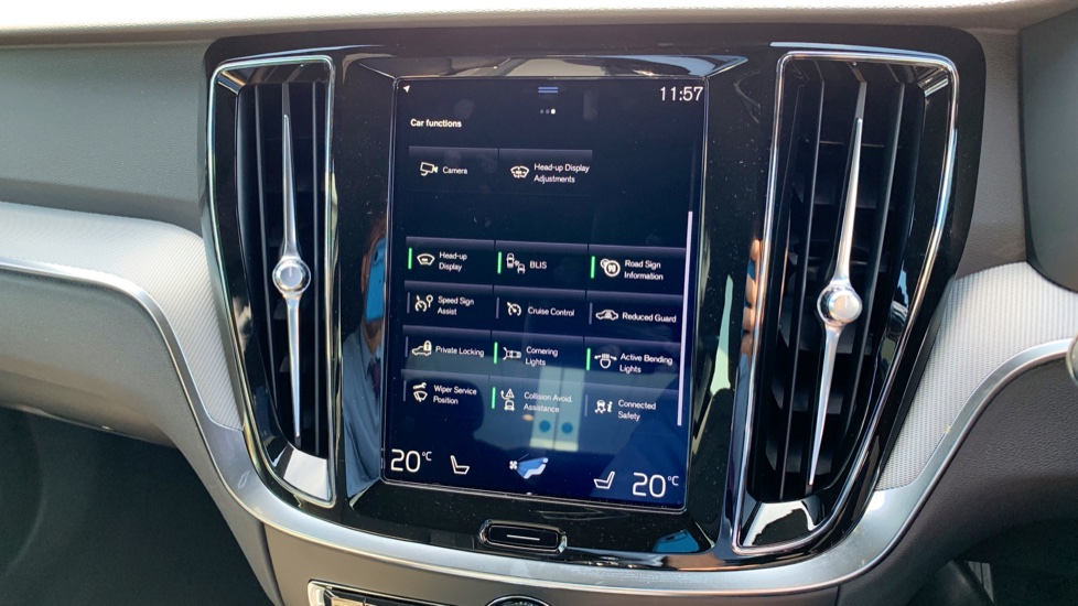 Volvo S60 2.0 T5 R Design Edition Auto With. Launch Pack, Rear Camera & Smartphone  image 20
