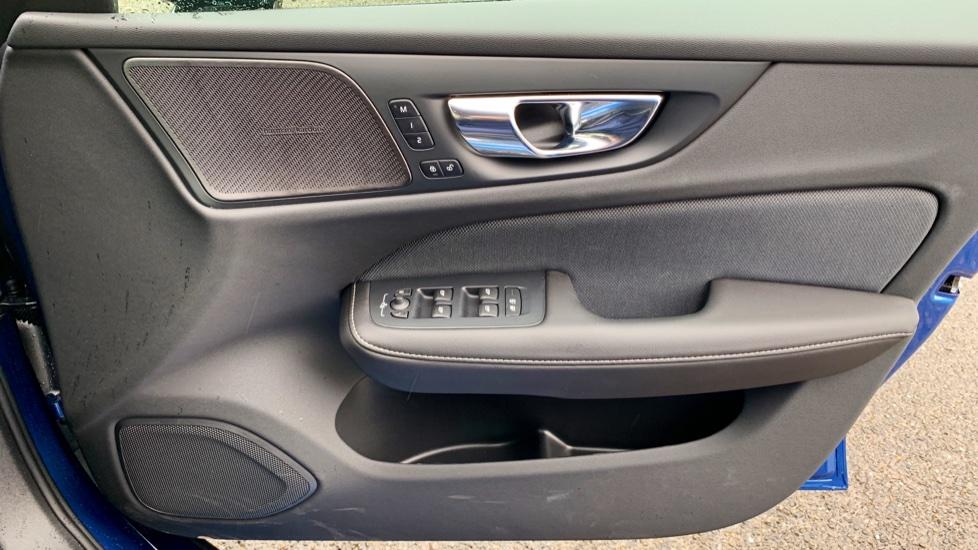 Volvo V60 2.0 T5 R Design Pro Auto W. Smartphone Integration, 360 Camera & Harmon kardon  image 16
