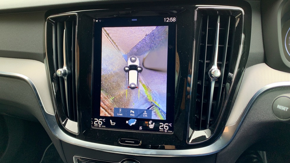 Volvo V60 2.0 T5 R Design Pro Auto W. Smartphone Integration, 360 Camera & Harmon kardon  image 18