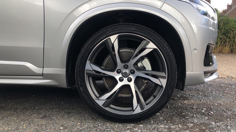 Volvo XC90 B6P R Design Pro AWD Auto, Xenium, Family & 7 Seat Comfort Pack, Sunroof, 360 Camera, BLIS image 23