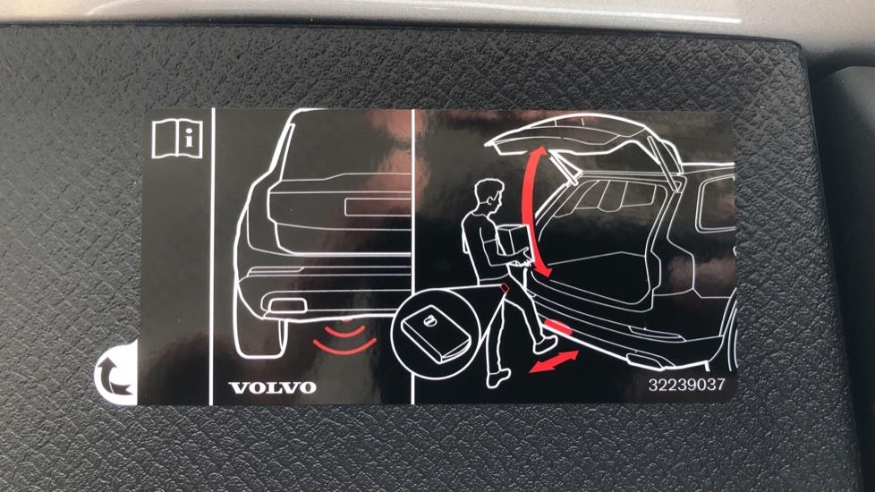 Volvo XC90 B6P R Design Pro AWD Auto, Xenium, Family & 7 Seat Comfort Pack, Sunroof, 360 Camera, BLIS image 30