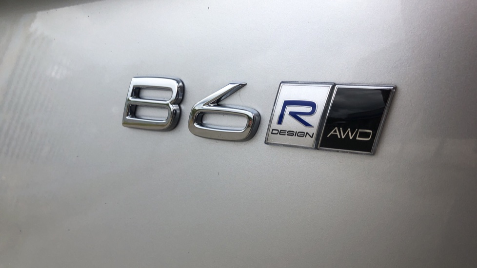 Volvo XC90 B6P R Design Pro AWD Auto, Xenium, Family & 7 Seat Comfort Pack, Sunroof, 360 Camera, BLIS image 40