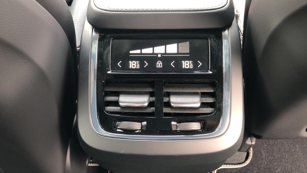 Volvo XC90 B6P R Design Pro AWD Auto, Xenium, Family & 7 Seat Comfort Pack, Sunroof, 360 Camera, BLIS image 33