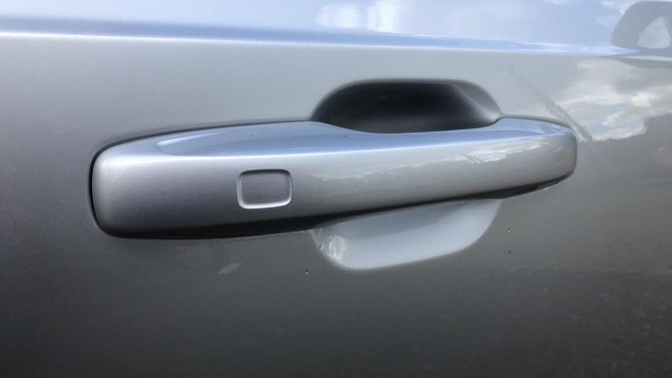 Volvo XC90 B6P R Design Pro AWD Auto, Xenium, Family & 7 Seat Comfort Pack, Sunroof, 360 Camera, BLIS image 8