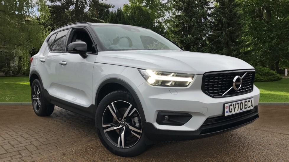 Volvo XC40 B4P Mild Hybrid R Design Auto, Nav, Climate Pack, Sunroof, Heated Screen, Steering Wheel and Seats. 2.0 Petrol/Electric Automatic 5 door Estate (2021)