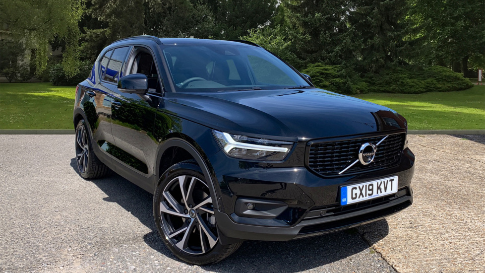 Volvo XC40 2.0 T5 R DESIGN Pro AWD Auto with Xenium, Intellisafe Surround, 360 Camera, Panoramic Roof & BLIS Automatic 5 door 4x4 (2019) image