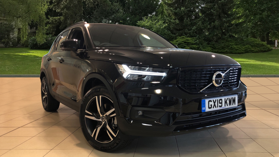 Volvo XC40 2.0 D3 R Design Auto with BLIS, Convenience Pack, Front Sensors & 360 Camera. Diesel Automatic 5 door 4x4 (2020)