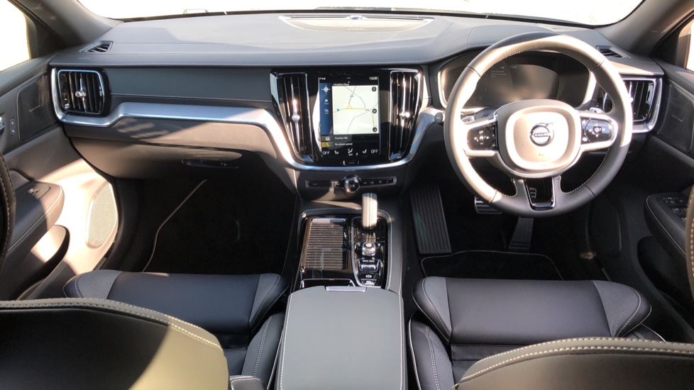 Volvo V60 T8 Hybrid Polestar Engineerd AWD Auto, Nav, Harman Kardon, Keyless Drive, Heated Screen image 9