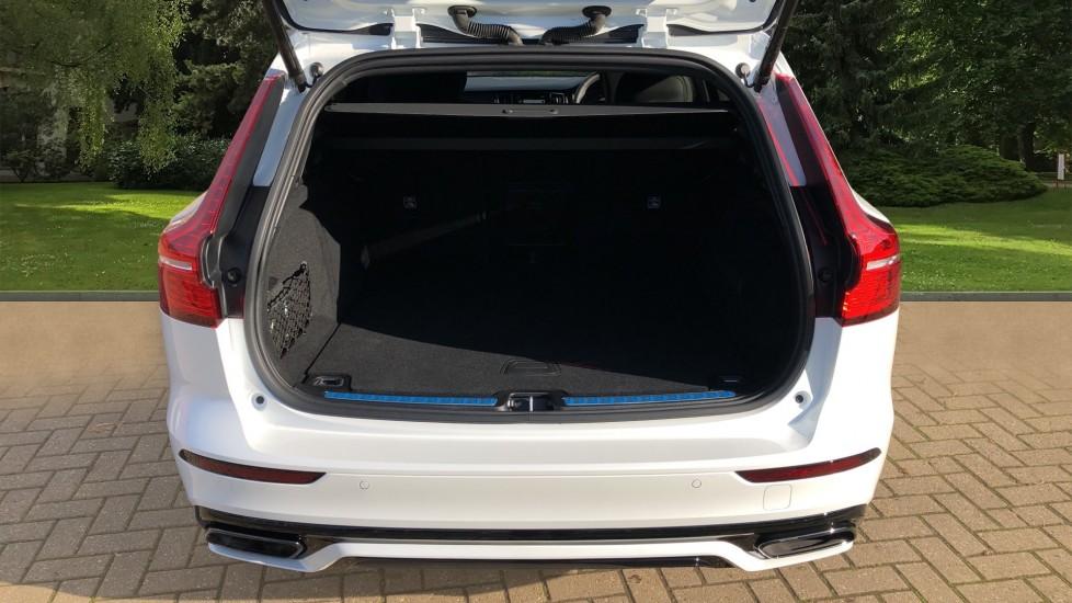 Volvo V60 T8 Hybrid Polestar Engineerd AWD Auto, Nav, Harman Kardon, Keyless Drive, Heated Screen image 28