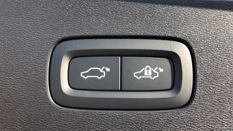 Volvo V60 T8 Hybrid Polestar Engineerd AWD Auto, Nav, Harman Kardon, Keyless Drive, Heated Screen image 26