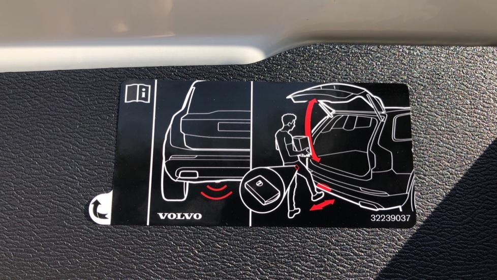 Volvo V60 T8 Hybrid Polestar Engineerd AWD Auto, Nav, Harman Kardon, Keyless Drive, Heated Screen image 27