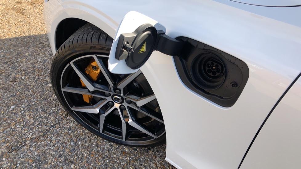 Volvo V60 T8 Hybrid Polestar Engineerd AWD Auto, Nav, Harman Kardon, Keyless Drive, Heated Screen image 20