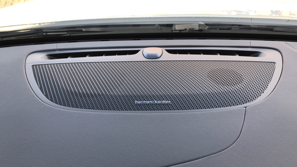 Volvo V60 T8 Hybrid Polestar Engineerd AWD Auto, Nav, Harman Kardon, Keyless Drive, Heated Screen image 6