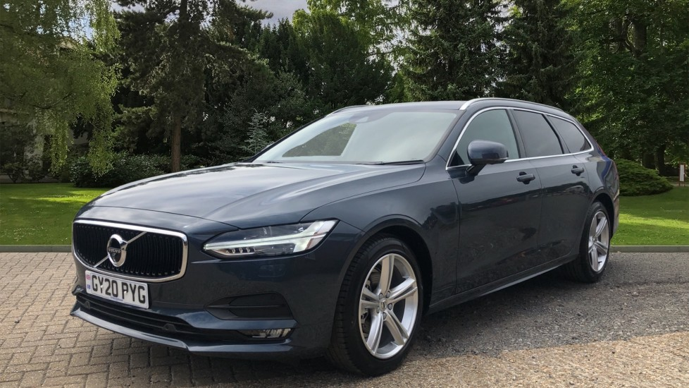 Volvo V90 T4 Momentum Plus Auto, Winter & Convenience Packs, 360 Camera, Tints, 18in Alloys, BLIS image 3