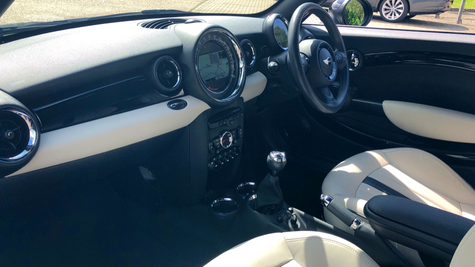 Mini Coupe Cooper S D Chili Pk, Nav, Media Pk, Lounge Lthr, PrivGlass, 17 Inch Wheels & Htd Seats. image 7